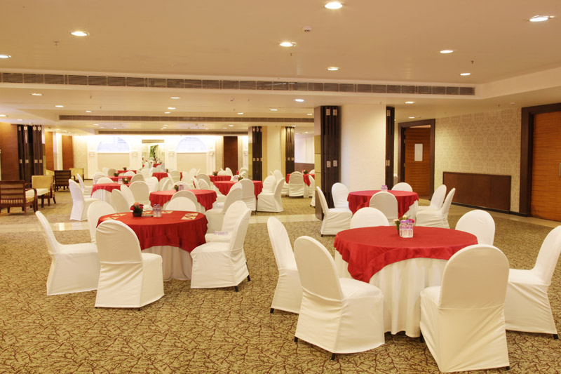 Mapple Emerald Hotel Delhi Restaurant